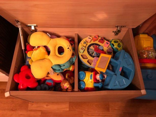Сундук игрушек от рождения до 2 лет лот