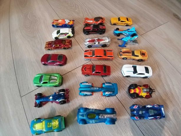 Autka Hot Wheels+laweta