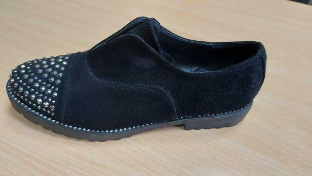 Туфли новые черные замшевые р.41 (26см)