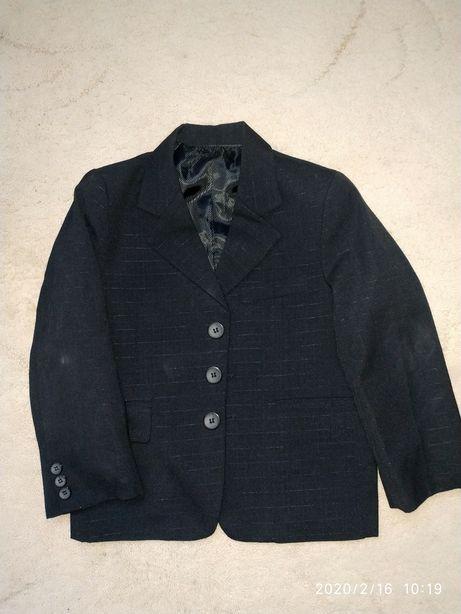 Пиджак для мальчика 6-7 лет