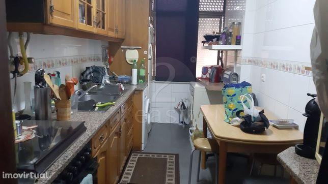 Apartamento T2 Venda em Camarate, Unhos e Apelação,Loures