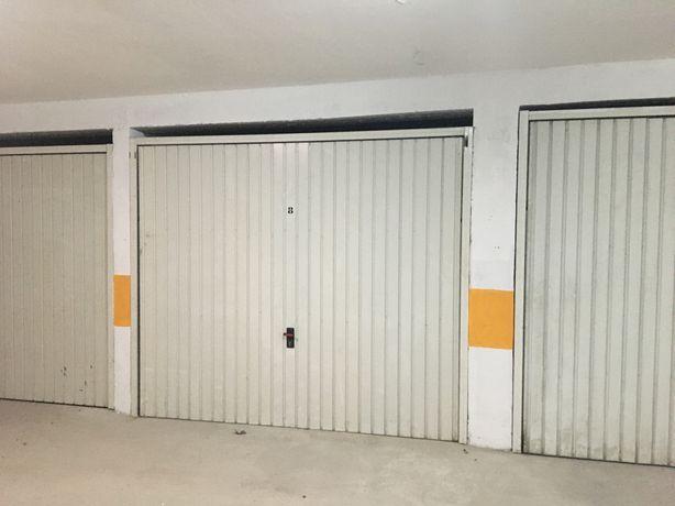 Arrendo garagem em Aveiro no bairro liceu