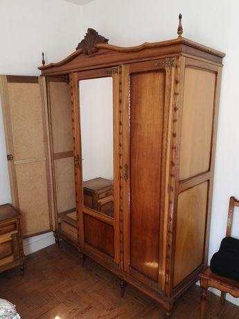 Mobília Quarto antiga em bom estado