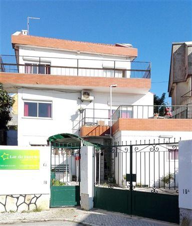 Lar de Idosos com vaga na Zona de Sintra