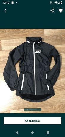 Ветровка Nike XS