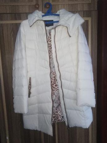 Белая куртка на девочку