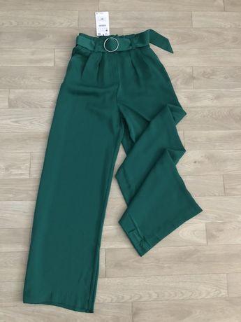 Брюки клеш в пол зеленые атласные брюки bershka