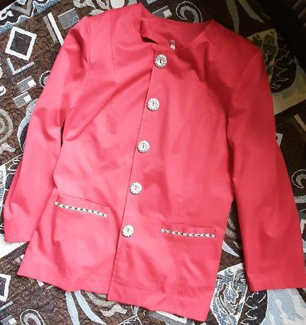 Одяг для дівчат.