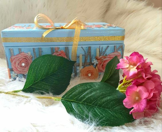 Pudełko ozdobne drewniane na prezent.RĘKODZIEŁO!