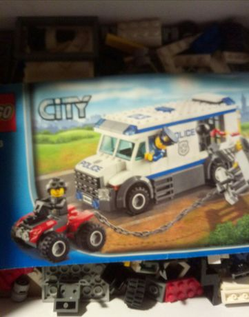Lego city набор перевозка заключённого 60043