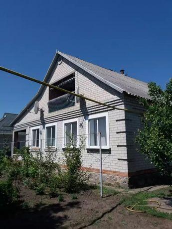 Продам  большой, жилой дом
