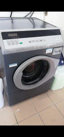 Máquinas e Equipamentos de lavandaria Self-service ou indústrial lar