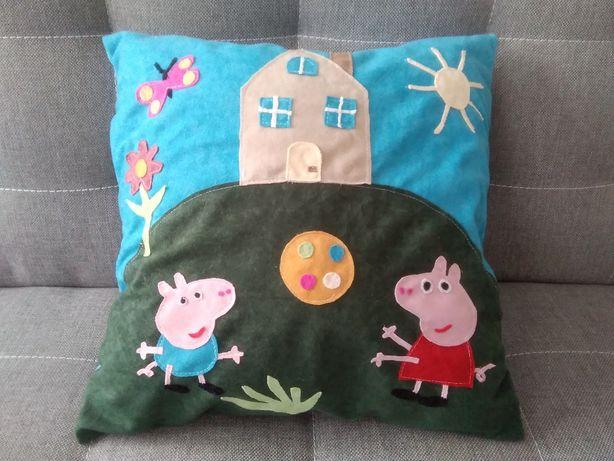 Poduszka Peppa z domkiem, rękodzieło