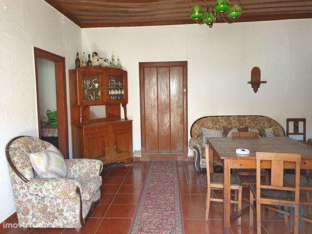 Moradia - 192 m² - T3
