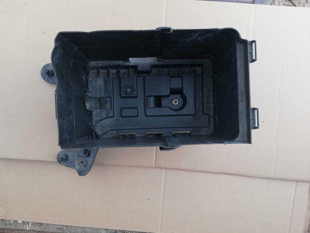 Obudowa podstawa akumulatora audi a3 8P lift kompletna
