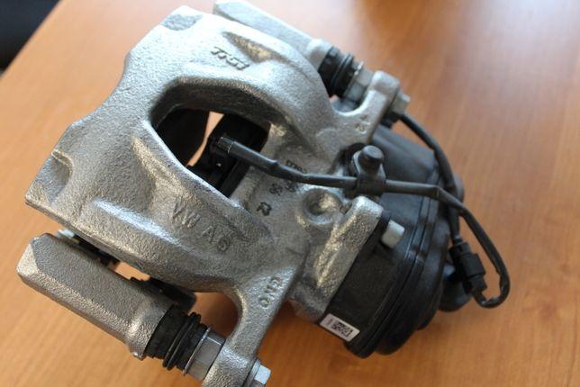 Audi A4 B9 8W ZACISK hamulcowy PRAWY Tył 8W0.615406.AA Oryginał
