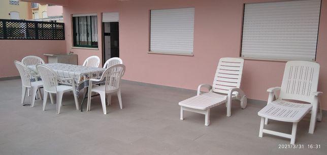 Apartamento T2 R/C Praia Consolação