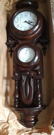 Часы деревянные настенные ручной работы.