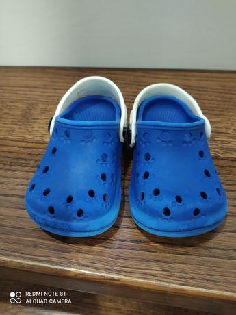 Buty typu crocs r. 21/22 cena 5 zł