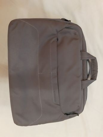 Сумка-рюкзак для ноутбука Tucano