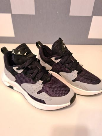 Buty sportowe Jordan Air Cadence GS, roz. 40, dł. Wkładki  25.5 cm