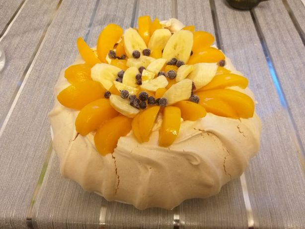 Pavlova-tort bezowy