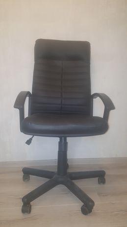 Нові офісні крісла