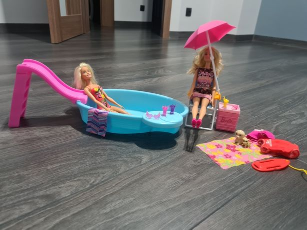 Zestaw Barbie basen i Barbie plaża