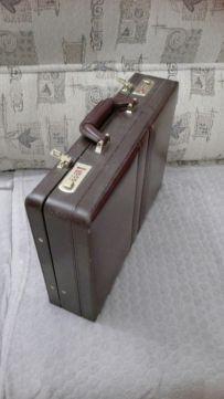 Sprzedam Nowa skorzana walizka lekarska -aktowke
