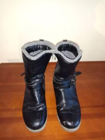 sprzedam buty zimowe damskie rozm. 39