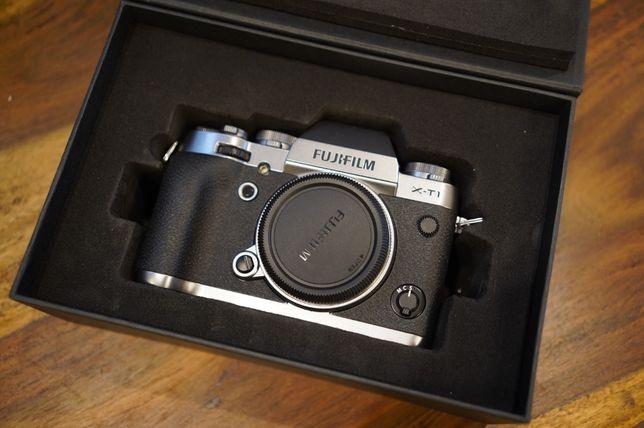 Fuji XT1 Bezlusterkowiec Graphite Silver Edition