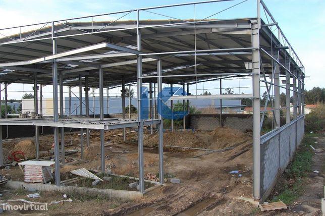 Pavilhão em fase de construção para venda em Cacia