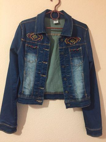 Джинсовая новая куртка подойдёт на подростка