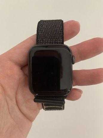 Apple Watch seria 4 44mm