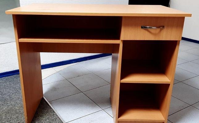 Стол для офиса или дома, с ящиком и полками.
