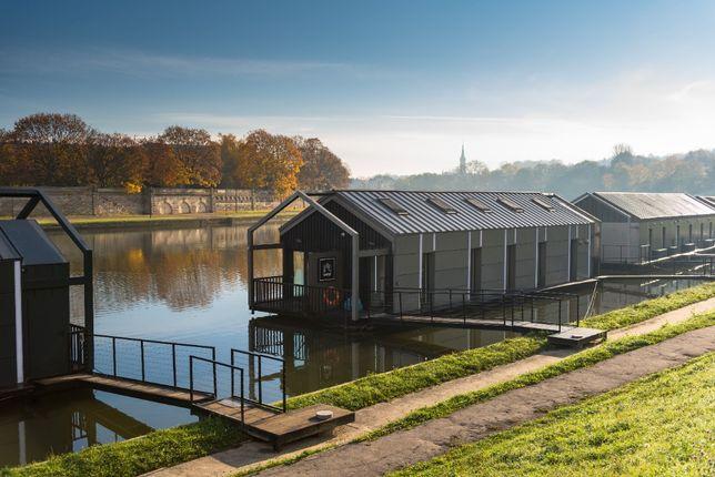 Dom na wodzie modułowy całoroczny houseboat jacht łódź