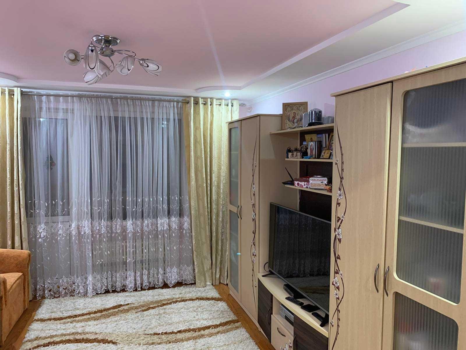 Продам 3х кімн. квартиру по вул.Конякіна в хорошому стані.5/9ц.65кв.м.