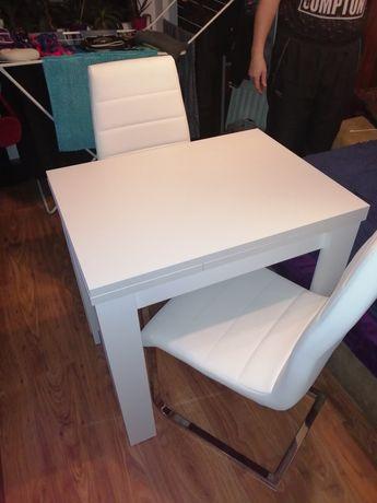 Stół drewniany rozkładany  plus 2 fotele ekoskorka