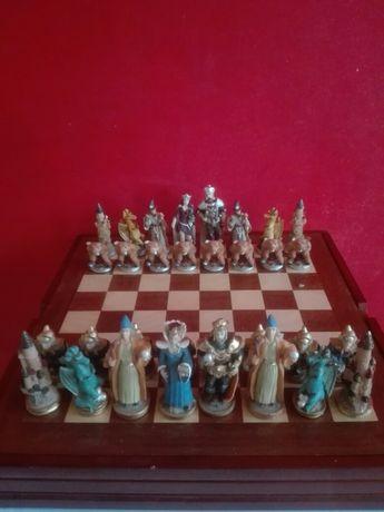 Szachy figury szachowe kolekcjonerskie.