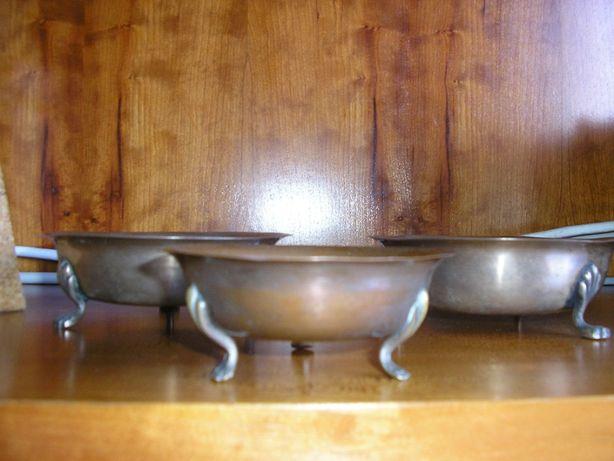 3 Taças antigas em metal