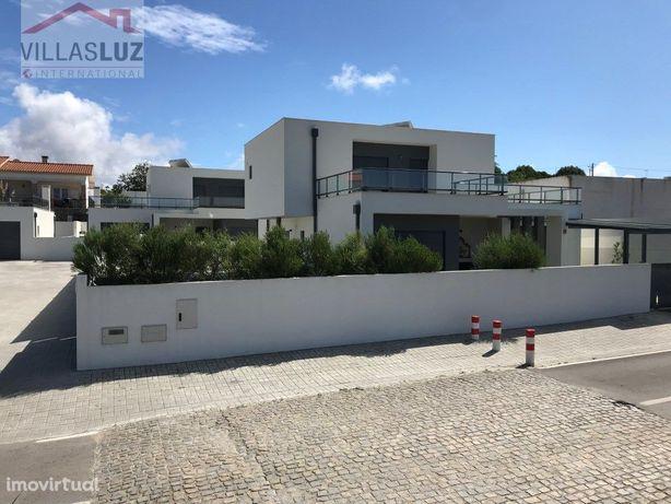 Moradia T3 contemporânea perto de São Martinho do Porto