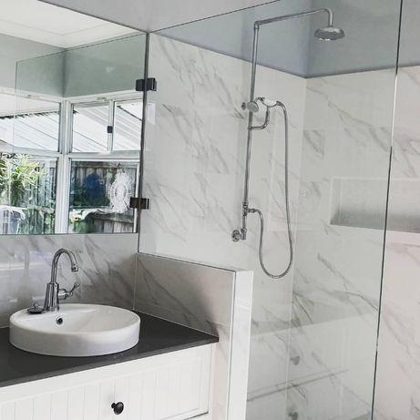 Зеркало в ванную на стену