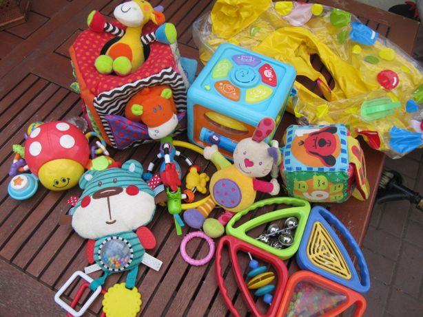 zabawki dla dziecka niemowlaka