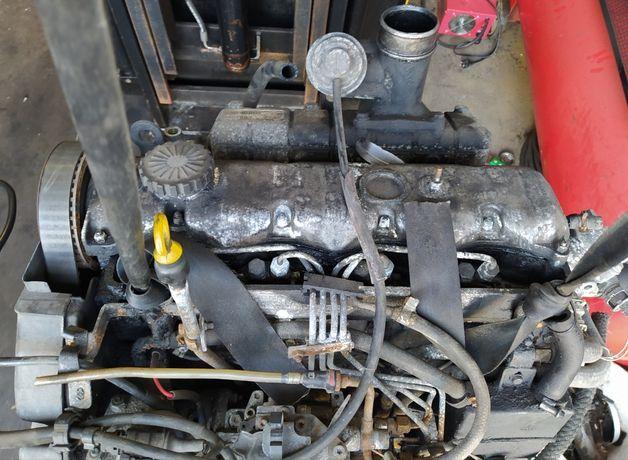 Silnik 2.5D S8U W772 Renault Master II Trafic Safrane