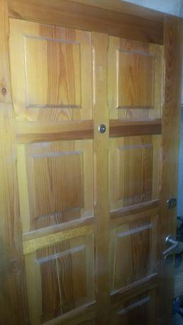 drzwi wejściowe drewniane podwójne