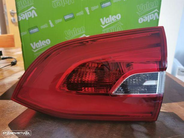NOVO! Farol traseiro direito da mala para Peugeot 308 SW