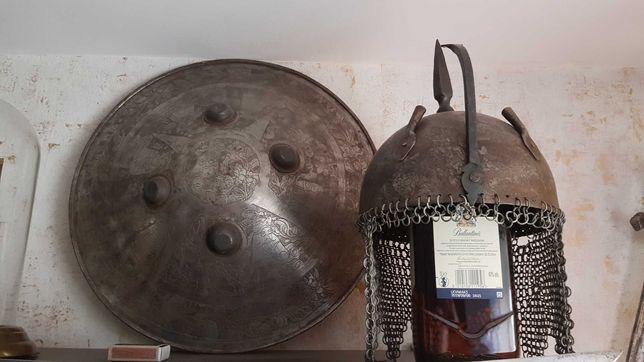 Tarcza perska Separ, helm perski, nie szabla