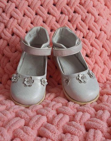 Туфлі на дівчинку 24 розмір (15,5 см стєлька)
