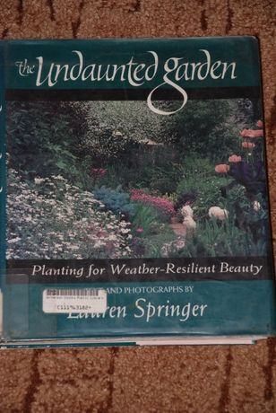 """Книга """"Непорушений сад: висадка атмосфери, що витримує погоду""""Ла"""
