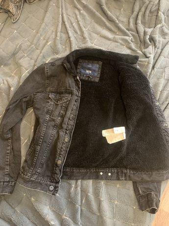 Джинсовая утепленная куртка zara (шерпа)